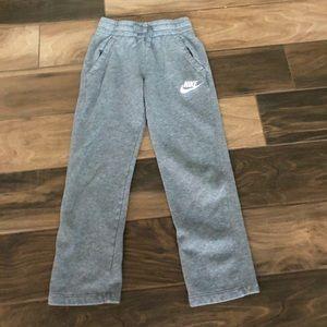 Nike boys gray sweats size small
